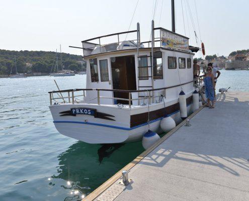 brodske_eskurzije_jadran_taxi_boat_celic