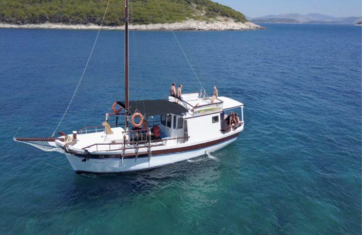 izleti_brodom_za_više_osoba_taxi_boat_celic